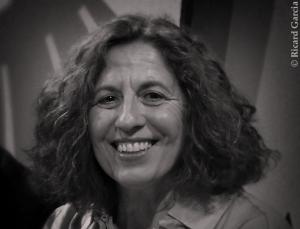 Teresa Pascual. Nascuda al Grau de Gandia l'any 1952, estudià filosofia a la Universitat de València. Es donà a conéixer amb Flexo, poemari guardonat amb el ... - teresa-pascual-autores2-300x229
